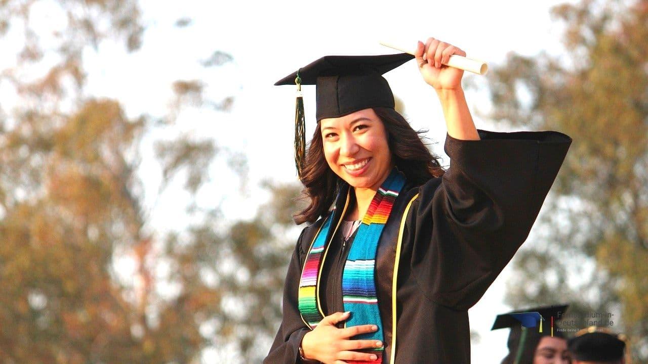 Abschluss Fernstudium Master Finanzwesen Finance