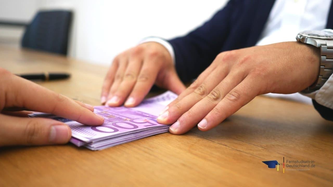 Master Fernstudium Steuern Finanzierung Bafög Studienkredit