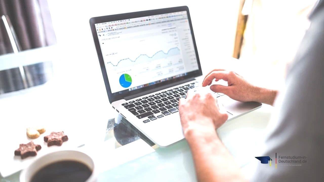 Fernstudium Online Marketing Weiterbildung Kosten