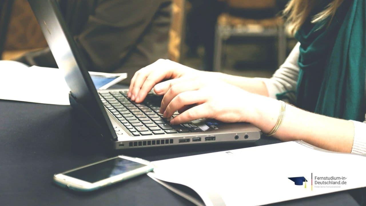 Thesis Fernstudium Online Marketing Bachelor